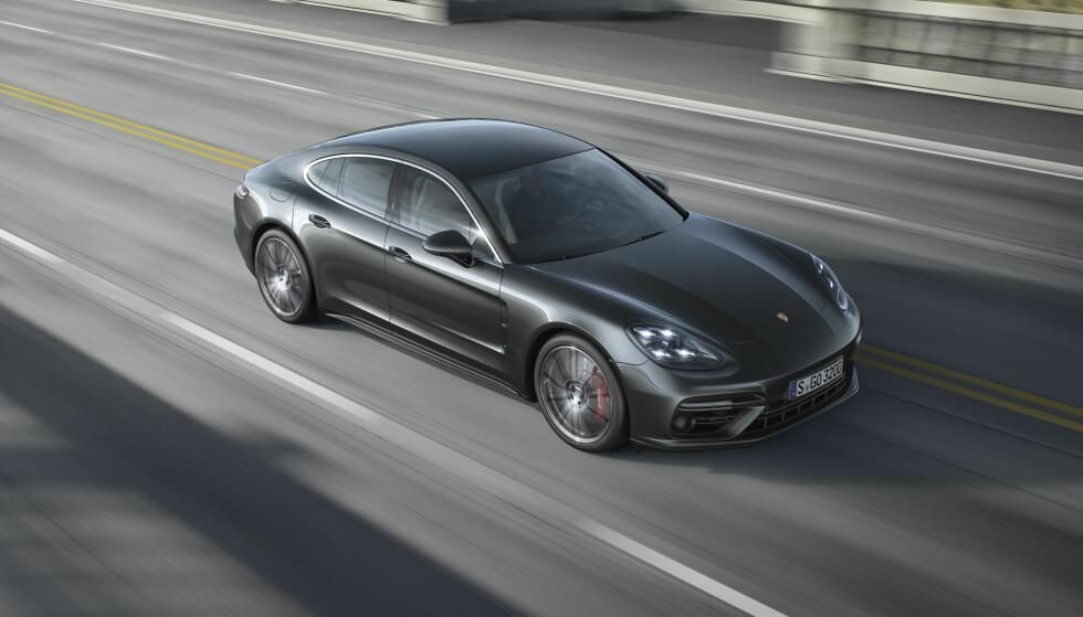 NORSKE BILER: Porsche Norge har ikke fått melding om at servostyringen på noen av de over 700 bilene i Norge har sviktet, men kaller likevel alle Panamera-bilene produsert fra mars 2016 inn for oppgradering. Foto: Porsche