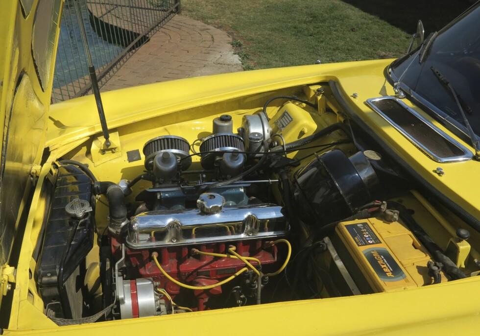 DOBBELT: Fred prøver å ha forskjellige biler, bortsett fra P1800. Den er så spesiell at han har to. Foto: Fred Magne Skillebæk
