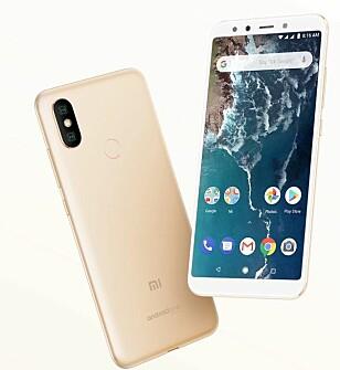 Mi A2 er en svært rimelig telefon, men kan allikevel by på dobbelt kamera på baksiden, fingeravtrykksleser og en ren Android-opplevelse. Foto: Xiaomi