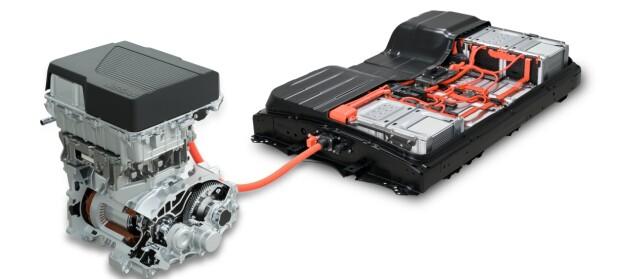 BEDRE PAKKET: Motoren får 217 hester og batteriet er pakket bedre. Nå kan den også lades med 100 kW. Foto: Nissan