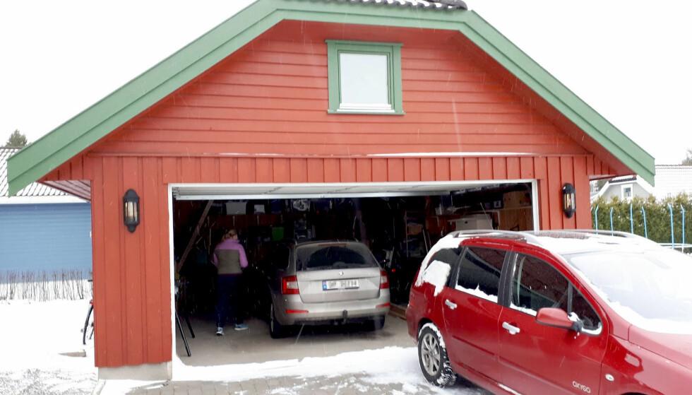 KALDT: Det er gode grunner til at de fleste garasjer både er kalde og luftige. Foto: Bjørn Eirik Loftås