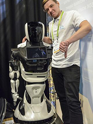 IKKE FORNØYD: Promobots utviklingsdirektør Oleg Kirvokurtsevn står fast på at ulykken på CES er reell overfor Dinside. Foto: Jamieson Pothecary