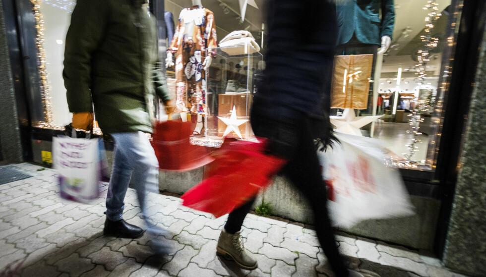 NESTEN SAMME SOM I FJOR: Det var ikke mye som skilte fjorårets julehandel fra i forfjor, viser tall fra Virke. Foto: Gorm Kallestad/NTB Scanpix.