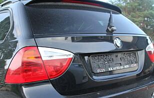 MELD FRA: Er skiltet på bilen borte må du melde det til politiet med en gang. Hvis ikke kan du oppleve å få krav om å betale bensinregninger, bøter og forsikringskrav. Foto: Rune Korsvoll