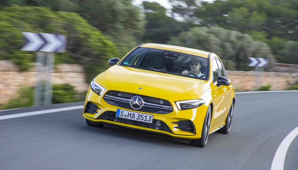 KJØREGLEDE: Etter hvert som milene tilbakelegges, kjenner man seg mer og mer ett med maskinen... Foto: Daimler