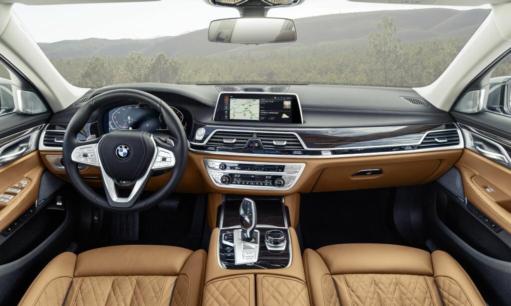 TIDSRIKTIG: Som seg hør og bør har 7-serie fått den samme digitalteknologien som X5 og X7 har fått. Foto: BMW