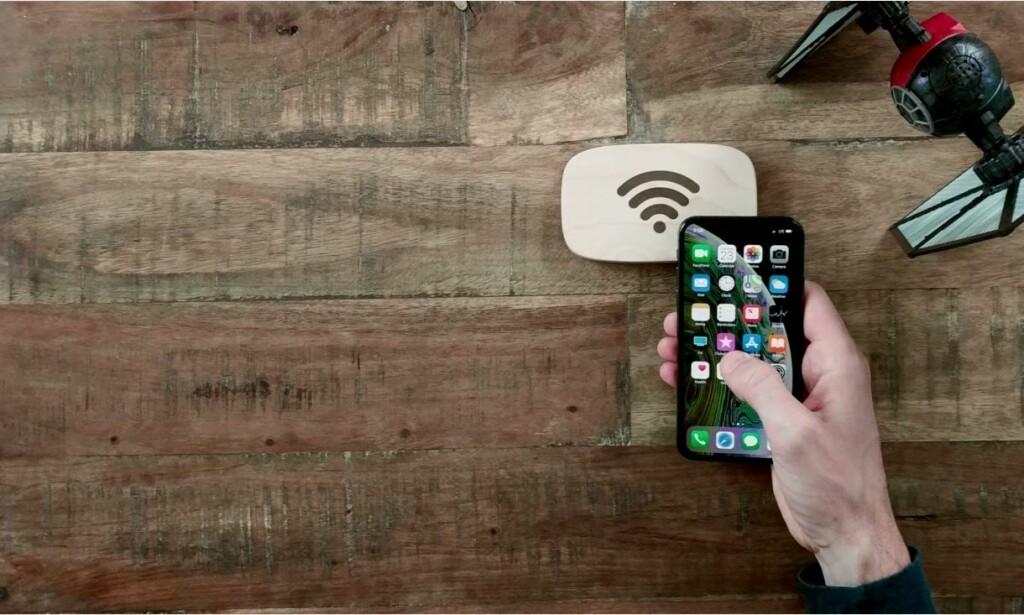 TÆPP FOR Å KOBLE PÅ: Når gjestene berører WiFi Porter, kobler telefonen seg til det trådløse nettet. Foto: Ten One design