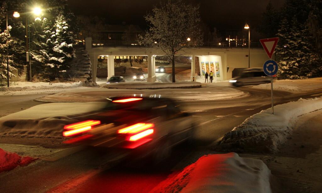 BARE HALVPARTEN BLINKET: I flere tellinger, inkludert vår egen, blinket bare halvparten av bilistene til venstre i rundkjøringene. Foto: Rune Korsvoll