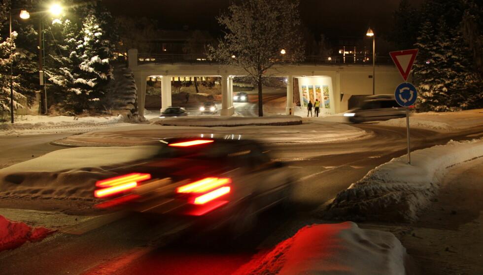 <strong>BARE HALVPARTEN BLINKET:</strong> I flere tellinger, inkludert vår egen, blinket bare halvparten av bilistene til venstre i rundkjøringene. Foto: Rune Korsvoll