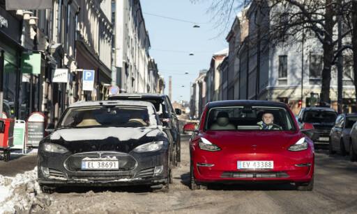 STOREBROR: Først når den står parkert ved siden av Model S er forskjellene tydelige for dem som ikke er Tesla-kjennere. Foto: Jamieson Pothecary