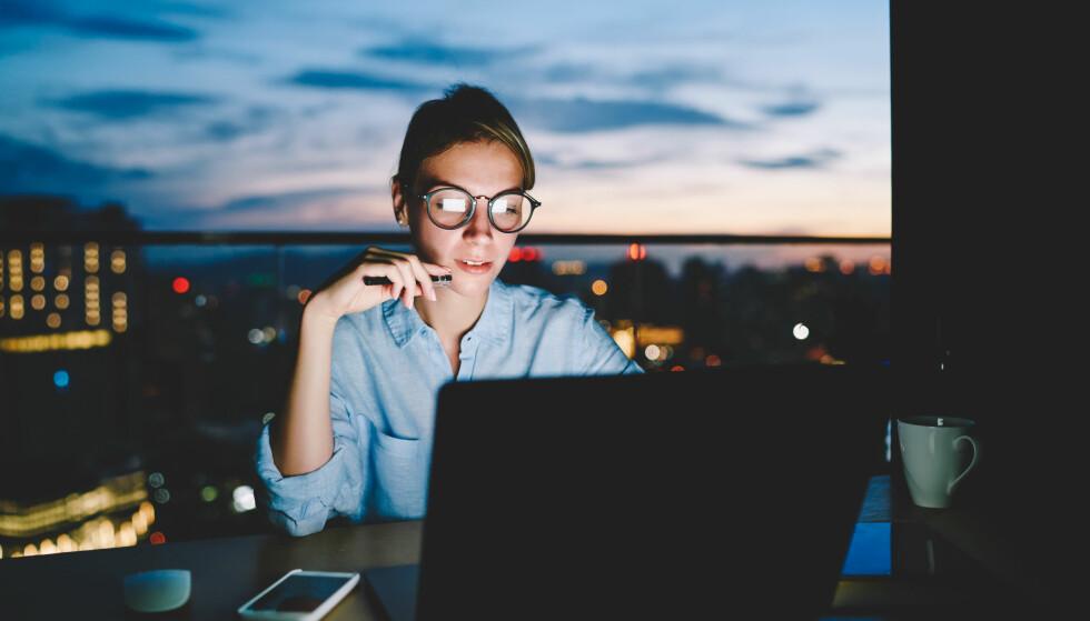 JOBBE OVERTID?: Slett ikke alle norske arbeidsgivere følger reglene for betaling av overtid, slår både YS-forbundet Negotia og Arbeidstilsynet fast. Foto: NTB Scanpix