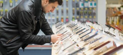 For første gang kjøpte vi færre smarttelefoner