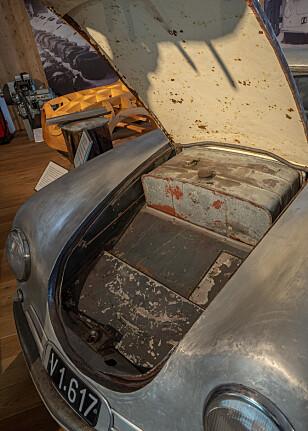 FRUNK: Porsche hadde bagasjeplass under panseret - lenge før Tesla ... Foto: Paal Kvamme
