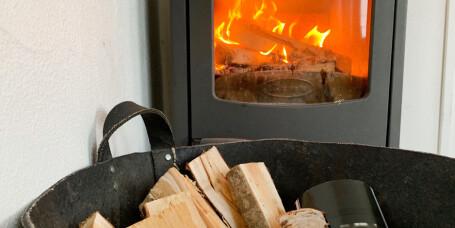 Hva er billigst: Vedfyring eller oppvarming med strøm