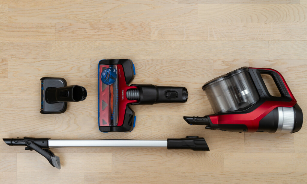 INTEGRERT: Sjekk børsten til Philips! Den sitter fast på røret, og vippes fram når standardmunnstykket fjernes. Foto: Tron Høgvold