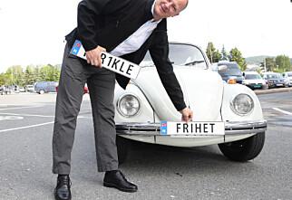 Bruker titalls millioner på personlige bilskilt