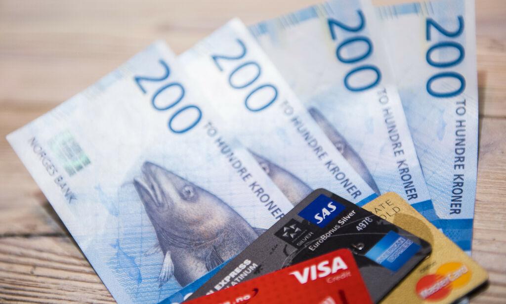 image: Vil tvinge butikkene til å ta imot kontanter