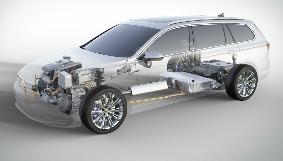 STØRRE BATTERI: Med mer lagringskapasitet for strøm, vil også rekkevidden som elbil bli lengre, og det vil få ned CO2-tallene og dermed avgiftene - med rimeligere pris som resultat. Foto: VW