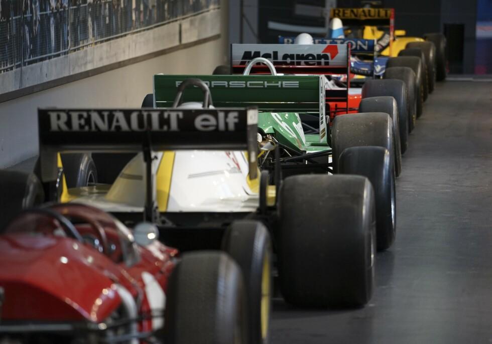 HØYOKTAN: Museet har en rik samling av Formel 1- og andre løpsbiler. Foto: Paal Kvamme