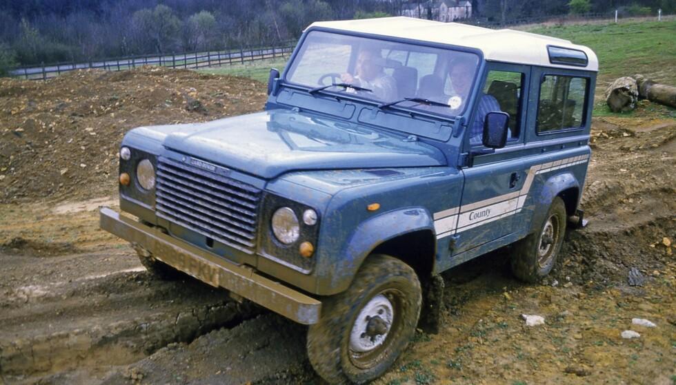 1989 Discovery / 1990 Defender: Eldre modeller blir satt i skyggen av oppgraderte 90 og 110-modeller som fikk navnet Defender, og nye motorer med mer dreiemoment. Foto: Land Rover