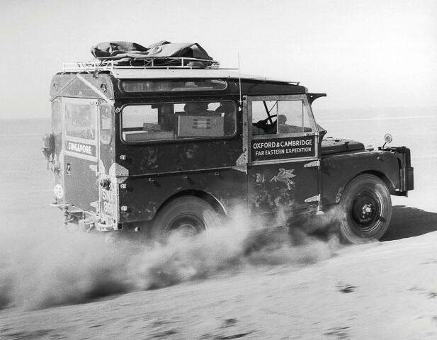 LANGTUR: Denne serie 1 ble kjørt fra London til Singapore. Dermed ble bilen legendarisk. Foto: Land Rover