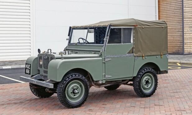 1948: Land Rover S1 Her ligges selve fundamentet for 70 år med suksess. Røff, kompakt, lite overheng, relativt lav vekt, og mulighet til å koble inn- og ut 4WD. Foto: Land Rover