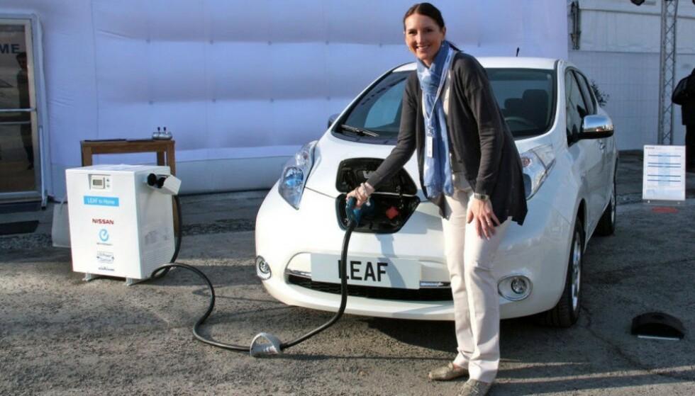 IKKE PROBLEM FOR NORGE: – Sverige vil gjerne beholde de brukte elbilene som et tilbud til folk som ønsker seg en rimelig elbil, sier kommunikasjonsdirektør Marina Maneas Bakkum i Nissan Nordic. Foto: Knut Moberg