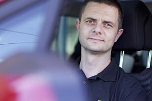 IKKE LIKHET FOR LOVEN: – Også utenlandske sjåfører må betale, mener kommunikasjons-rådgiver i NAF, Nils Sødal. Foto: NAF