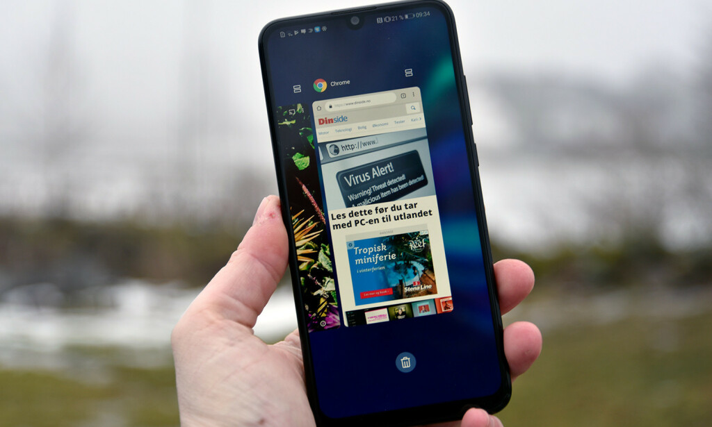 EGEN VARIANT: Huawei gjør ganske store endringer på Android, men samtidig liker vi mye av det. Blant annet kan du sveipe fra enten høyre eller venstre skjermkant for å hoppe tilbake, om du velger å droppe navigasjonstaster i bunnen. Foto: Pål Joakim Pollen