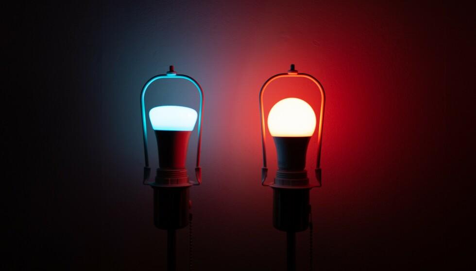 SMART BELYSNING: Philips Hue og Ikea Trådfri er to av de mest populære smartlyspærene på markedet. Foto: Martin Kynningsrud Størbu