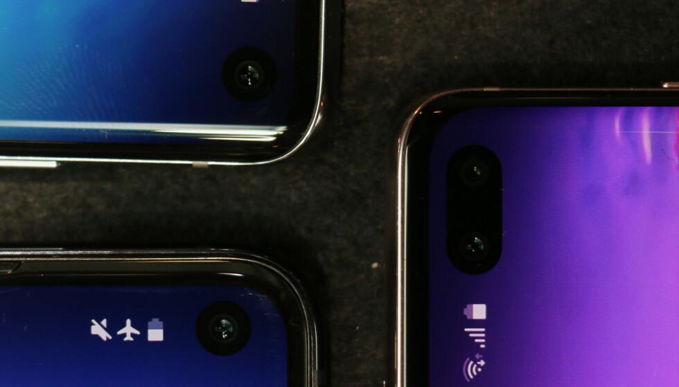KAMERA I SKJERMEN: Frem til nå har det vært vanligst å gjemme frontkameraet i en ramme over skjermen. På S10-modellene ser det altså slik ut. Foto: Kirsti Østvang