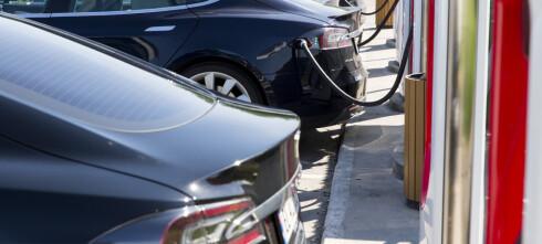 Faktisk.no: Vi vet ikke om stadig flere bytter inn Teslaen i en ladbar hybrid eller dieselbil