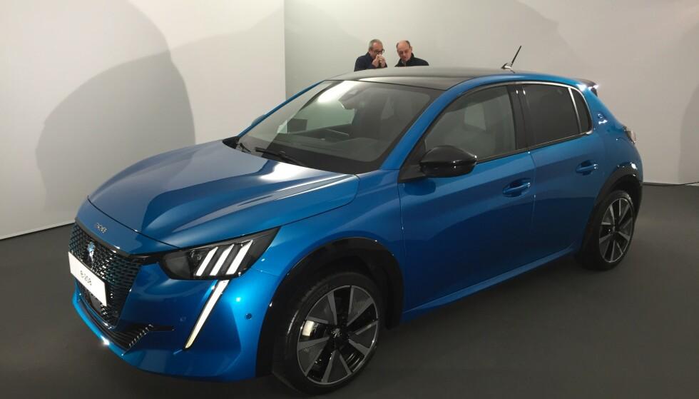 ELBIL: Nye Peugeot 208 blir betydelig tøffere enn dagens utgave. Bilen kommer som elbil sent i høst. Foto: Rune Korsvoll