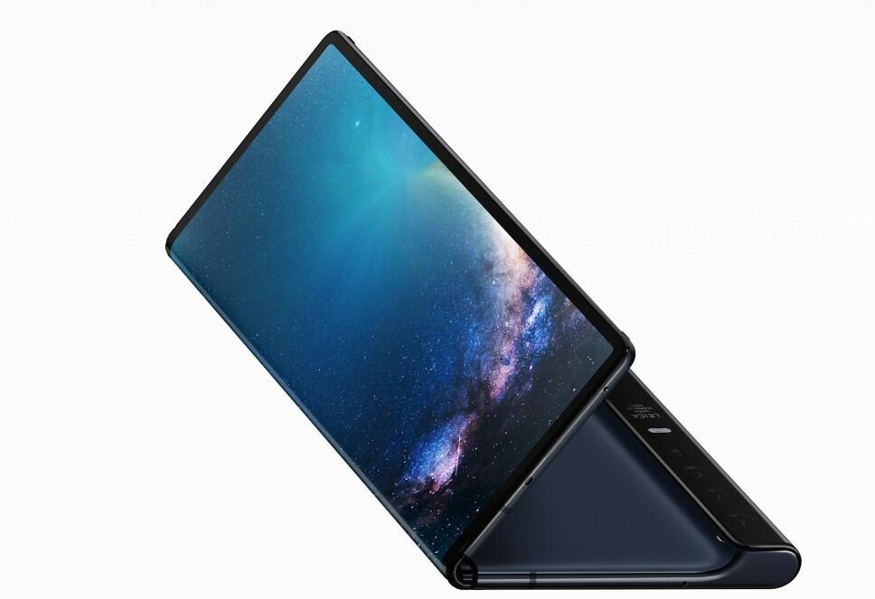 BRETT UT: Huawei Mate X har skjerm både foran og bak, og kan brettes ut til å bli et åtte tommer stort nettbrett. Foto: Huawei