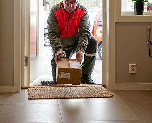 image: Posten skal levere pakker innenfor døren når du ikke er hjemme