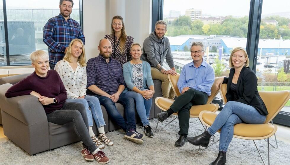 JOBBE MED OSS? Her ser du noen av oss som står bak Norges mest leste forbrukernettsted, og som kan bli dine nye kolleger. Foto: Per Ervland