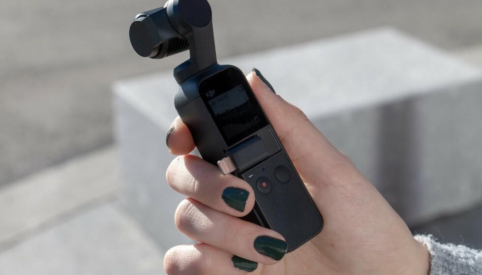 Med i esken følger med adapter for USB-C og Lightning, som du kan se her. Foto: Martin Kynningsrud Størbu
