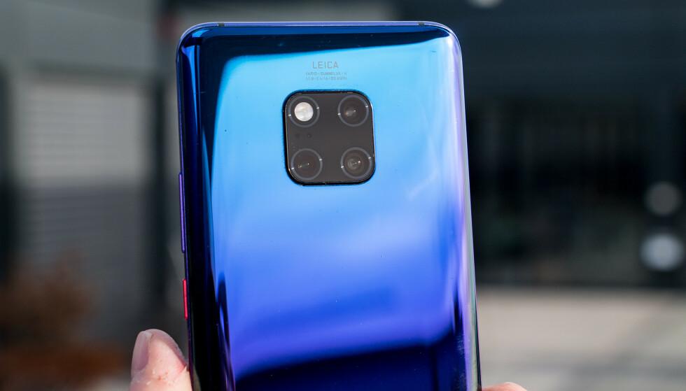 TRE BAK: Også Huawei Mate 20 Pro har tre kameraer på baksiden med ulike brennvidder. Pål Joakim Pollen