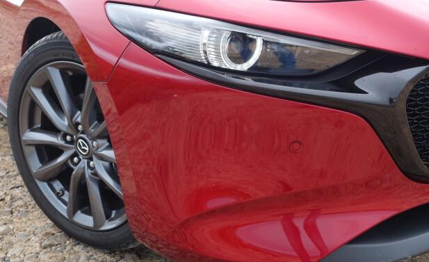 LED: I utstyrsnivå får bilen adaptive fjernlys. Foto: Knut Moberg