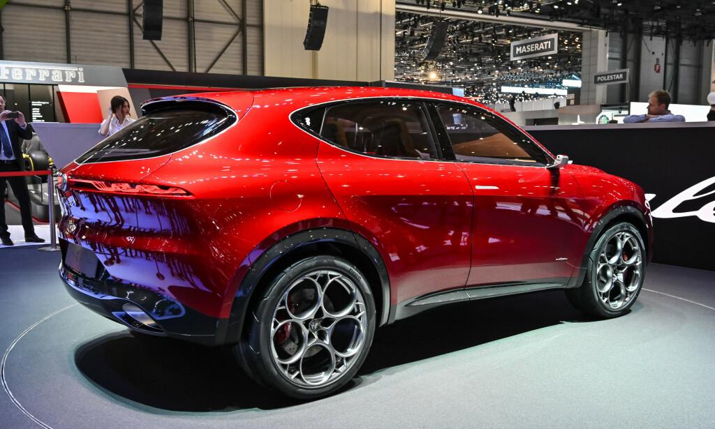 FREKK HEKK: Sammenlignet med dagens Stelvio, har Alfa tatt et langt steg i riktig retning med Tonale. Designen er sporty, lett, ren, moderne og har langt mer særpreg. Foto: Alfa Romeo