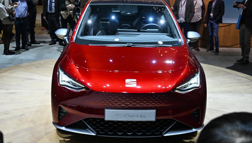 HAR DU SETT DEN FØR?: Fronten ligner ikke rent lite på Tesla. Foto: Jamieson Pothecary