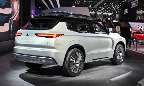 <strong>GIR ET HINT:</strong> Ifølge Mitsubishi forteller Engelberg Tourer noe om fremtidig design for merket. Skreller vi vekk konseptbiltypiske detaljer som de spesielle hjulene, er bilen likevel gjenkjennelig som Outlander-slektning. Foto: Jamieson Pothecary