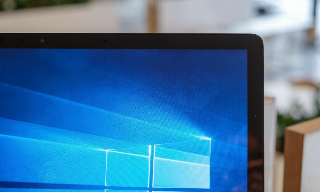 Litt tykke ramme, til gjengjeld har Surface Laptop 2 Windows Hello-kamera.
