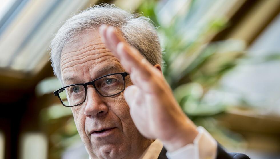 SPÅDOMMER: SSB tror Norges Bank vil sette opp styringsrenta fire ganger fram mot slutten av 2022, og at den da vil være ett prosentpoeng høyere enn i dag. Her er sentralbanksjef Øystein Olsen fotografert i forkant av sin årlige tale i midten av februar. Foto: Vidar Ruud/NTB Scanpix.