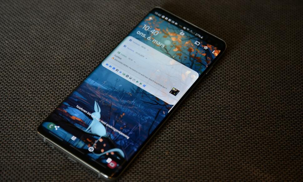 <strong>NY TOPPMODELL:</strong> Samsung Galaxy 10+ er koreanernes nye toppmodell. Har du kjøpt den, finner du noen kjekke triks under. Foto: Pål Joakim Pollen
