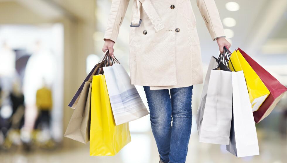 DYRERE KLÆR: Prisoppgangen i februar var større enn forventet. Foto: Shutterstock