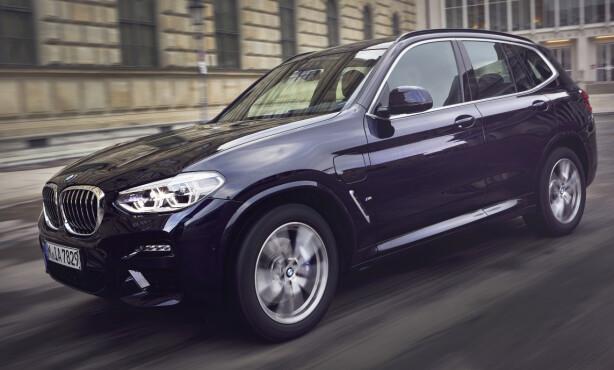 PLUG-IN X3: X3 xDrive 30e blir en høyaktuell by- og langtursbil for Norge. Foto: BMW