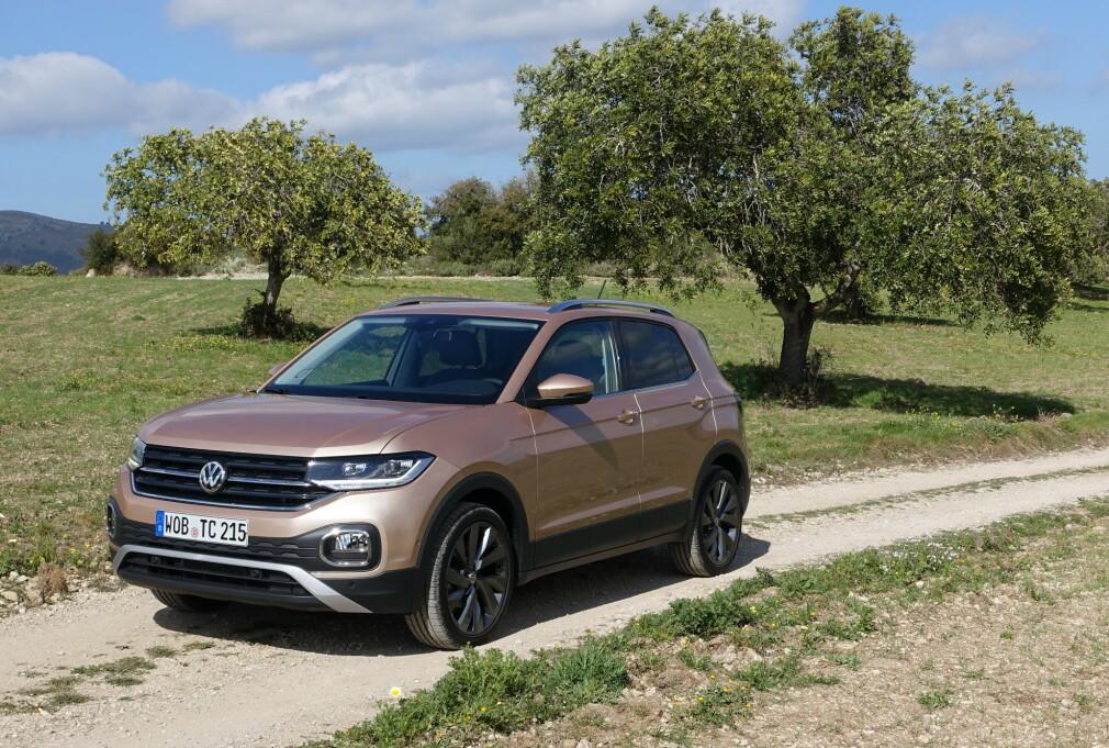 OG SÅ VAR DE FEM: Nye T-Cross er den femte SUV-en i Volkswagens modellrekke i Norge. Fra før hadde de Touareg, Tiguan, Tiguan Allspace og T-Roc. Foto: Knut Moberg