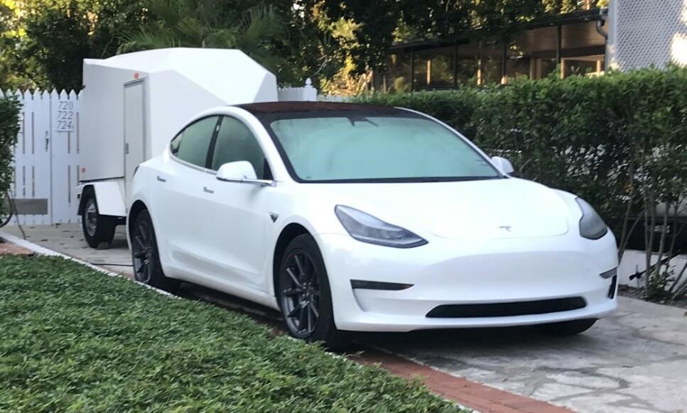 MODEL 3 FÅR EKSTRA REKKEVIDDE: Tesla Model 3 Long Range har fått lagt til 16 kilometer ekstra offisielle WLTP-kilometer på rekkevidden sin. Foto: Øystein Fossum