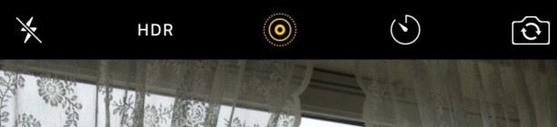 LIVE PHOTOS: Det gule ikonet angir om du har slått live photos av eller på. Dette er små videosnutter som lagres med hvert stillbilde, og hver av dem opptar 3-4 MB lagringsplass. Foto: PÅL JOAKIM POLLEN